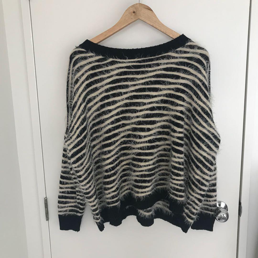 Zebra jumper size S/M