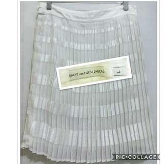 Diane von Furstenberg white pleated skirt