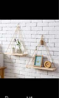 Minimalist hanging shelf po