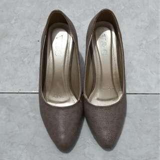 V&C Nude Leather Heels uk. 37