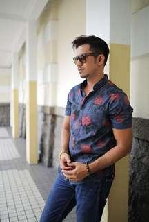 Kemeja Batik floral slim fit