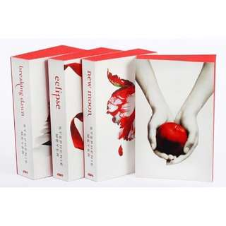 Like New Twilight Saga White Cover Series 4 Books Collection