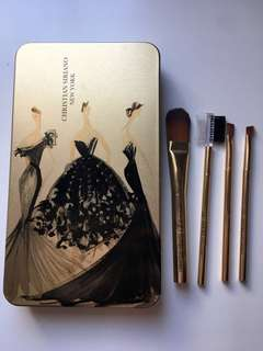 Christian Siriano Brushes and Case