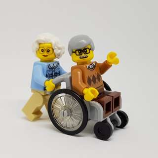 Lego Minifigures Grandma and Grandpa in Wheelchair