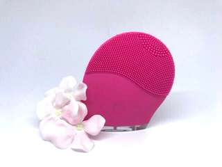 Cleansing Face Brush (like Foreo)