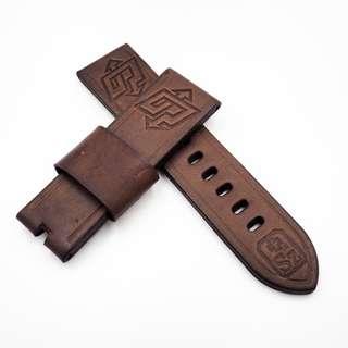 (2461) 全新 24mm 棕色進口牛皮閃電圖案錶帶配精鋼針扣 合適 Panerai, Seiko, Bell & Ross, Tudor 等等