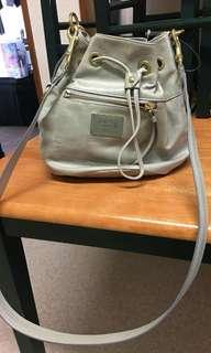 RUSH!!!PRELOVED 100% original coach poppy bucket bag