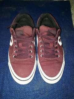 Sepatu converse preloved / Jual Cepet