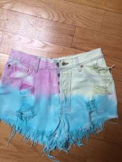 Cotton candy Levi's shorts