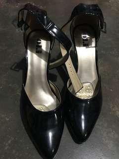 Black m Heels