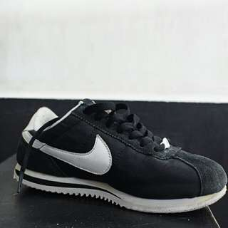 NAME YOUR PRICE | Preloved Authentic Nike Cortez (Black)