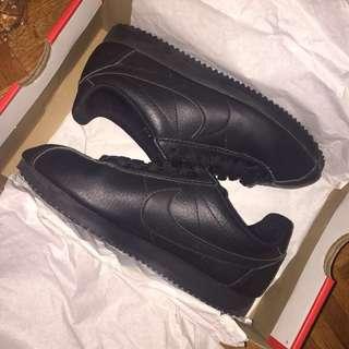 Black Nike Cortez $45 OFF Size 6.5