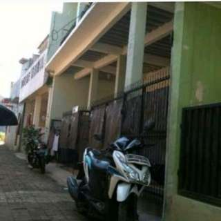 Rumah 2lantai Bisa Di KPR kan ada kontrakan 6 pintu di Cipadu Ciledug