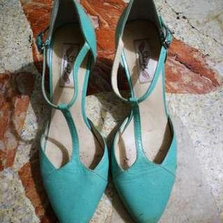 Blue Green Stilleto