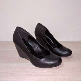 *Reduced* Call It Spring Hortivierge Wedge Shoes