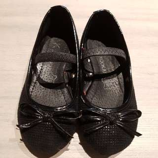 Black Shoes - Mary Janes