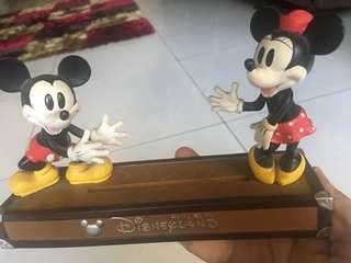 Pajangan Disneyland