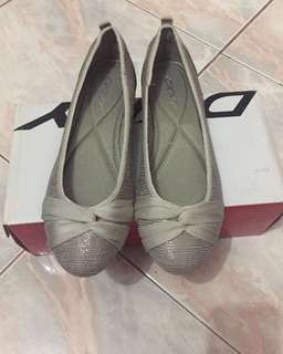 Authentic DKNY Flats