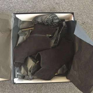 Negotiable: genuine leather ankle boots