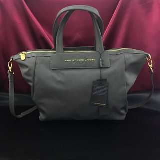 """Marc by marc jacobs P1200/ High Quality / Size : H: 12.5"""" x W: 19"""""""