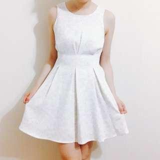 🚚 Olive白底紫花洋裝