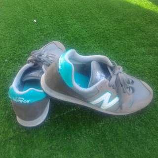 Sepatu New Balance 373 size 37 abu tosca authentic