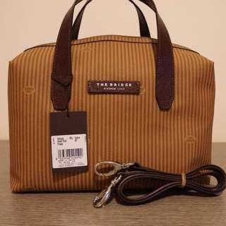 The bridge hand bag