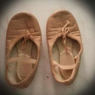 Used Leather Ballet Shoes,Size 10