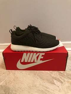 Women's Nike roshe one. Size: 8.