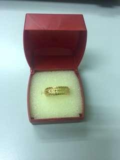916 / 22k Gold Ring