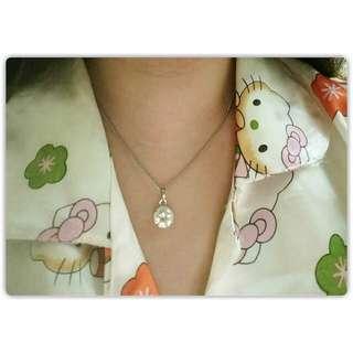 Liontin fake single diamond