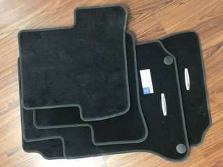 Original New Mercedes W204 Carpet Mat set