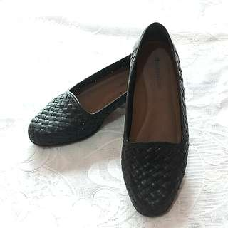 Naturalizer Black Shoes US6