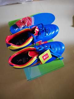 Kronos football shoes