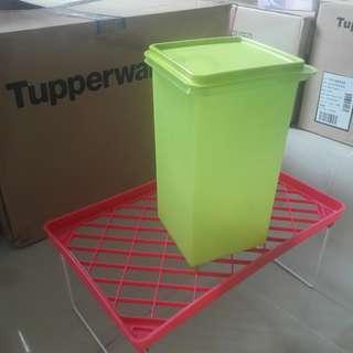Tupperware Mosaic Keeper