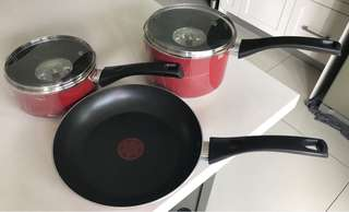 TEFAL  NEW 3 PIECE SET RED SAUCE PANS FRYING PAN