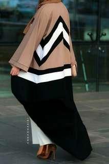 [SALE] Annah Hariri: Colourblock Abaya