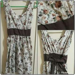 Preloved Floral Brown Dress
