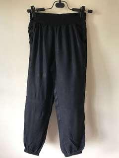 Preloved H&M black trousers