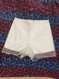 White Highwaist Shorts