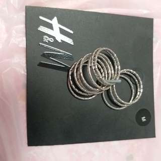 H&M 一套12隻戒指  B2 郵寄貨品包平郵
