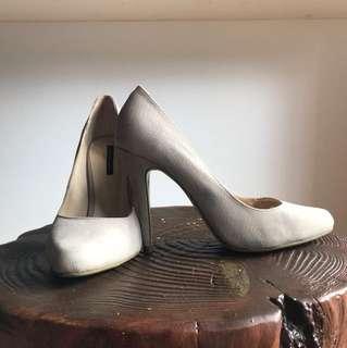 Size 7.5 - NEAR NEW! Tony Bianco Taupe Croc Nubuck High Heel Pumps