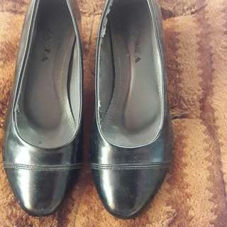 Black shoes with heels