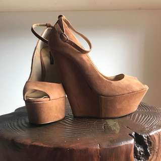 Size 8 - NEW! Tony Bianco Tan Suede Wedges
