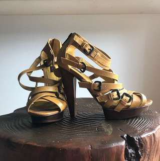 Size 7 - GOOD CONDITION Siren Yellow Leather Heels