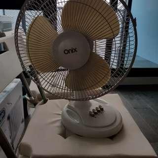 Onix Table Fan