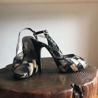Size 38 - GOOD CONDITION Scooter Black/Gold Snakeskin Open Toe Pumps