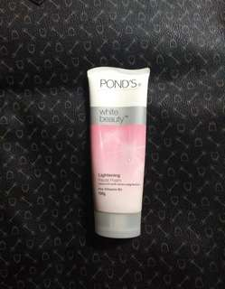 Pond's White Beauty Lightening Facial Foam