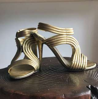 Size 7.5 - NEW! Siren Gold Leather Open Toe Pumps