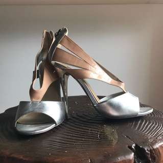 Size 7 - NEW! Siren Silver/Nude Leather Open Toe Pumps
